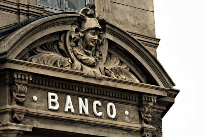 bank building image banco